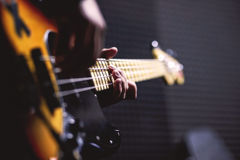 How to Mix Bass Instruments That Cut like Magic | Soundways